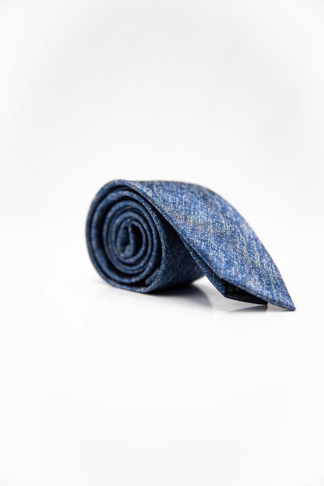 TEXTURED TIE IN SILVER BLUE